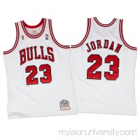 Men's Chicago Bulls Michael Jordan Mitchell & Ness White 1995-96 Hardwood Classics Authentic Jersey -   2091025