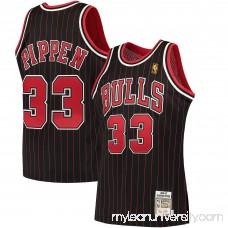 Men's Chicago Bulls Scottie Pippen Mitchell & Ness Black 1995-96 Hardwood Classics Authentic Jersey -   2379765